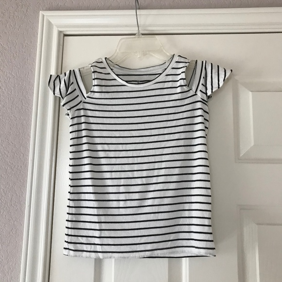 American Eagle Outfitters Tops - AE soft and sexy cold shoulder striped top